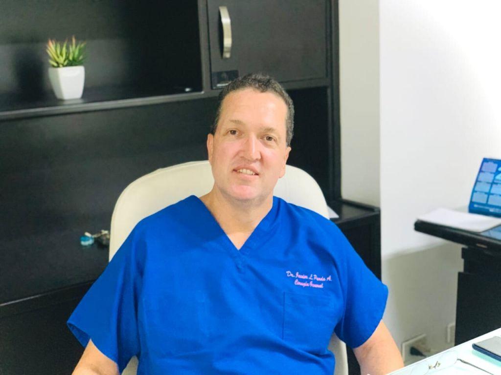 """""""El amor por la medicina nace del contacto cotidiano"""" – Dr. Javier Pardo"""